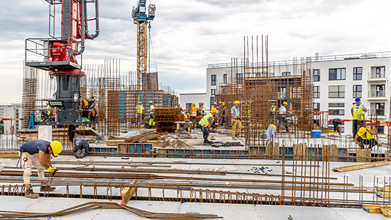 Cum ar putea muncitorii moldoveni și ucraineni să salveze economia românească